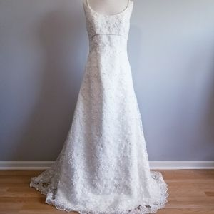 DAVID'S BRIDAL A-LINE STRAP WEDDING DRESS